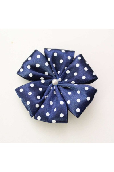 Agrafa floare textila bleumarin buline albe