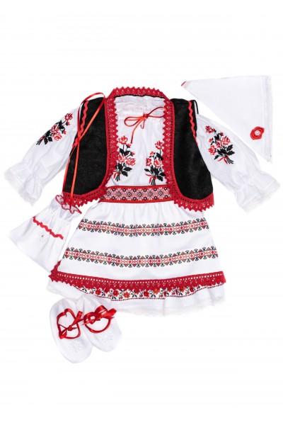Costum national fetita